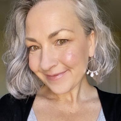 Fresh Spring Look for Gray-Haired Beauties: Non-Toxic Tuesday Transformation #7